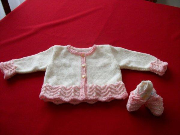 veste bébé et chaussons