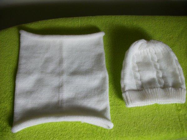 bonnet avec torsades et tour de cou femme.