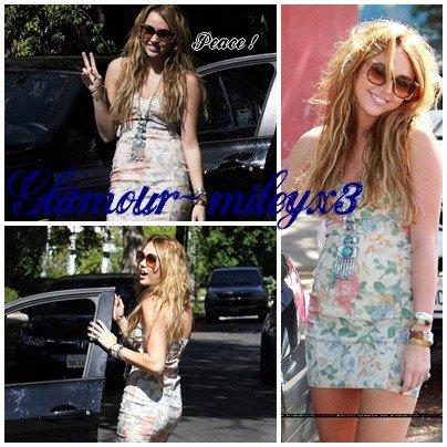 13 Octobre , Miley Cyrus à Toluca Lake