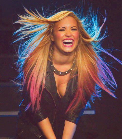 Blog source de Selena Gomez et Demi Lovato