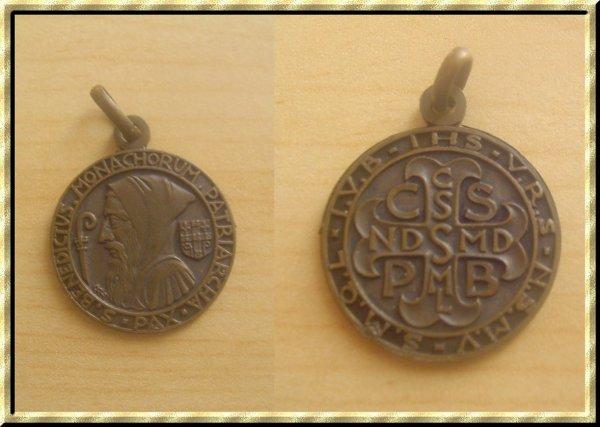 ۞ Médaille religieuse Saint-Benoît ۞