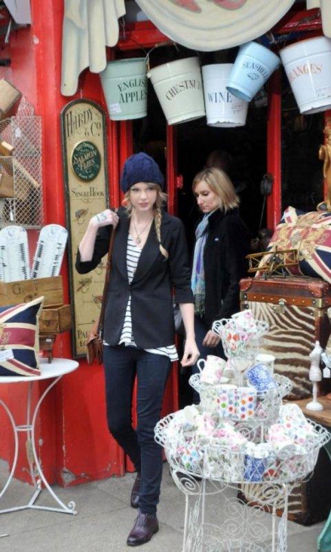 Taylor Swift :elle fait du shopping a Londre