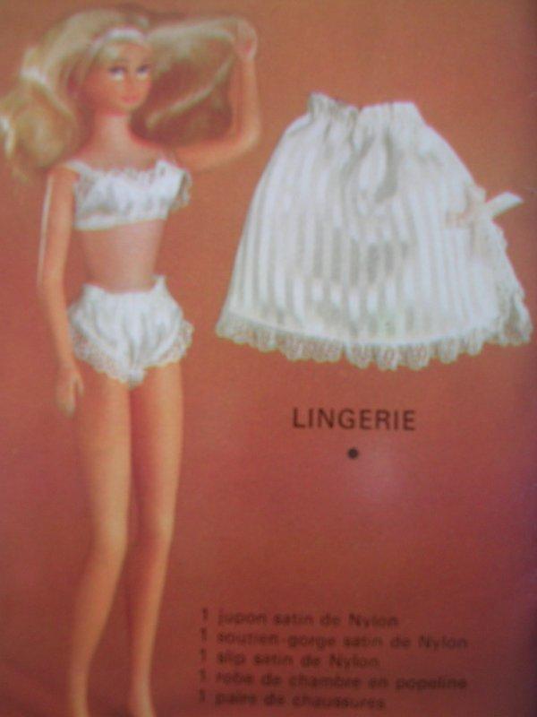 POUPEE SOPHIE LINGERIE (ANNEES 60)