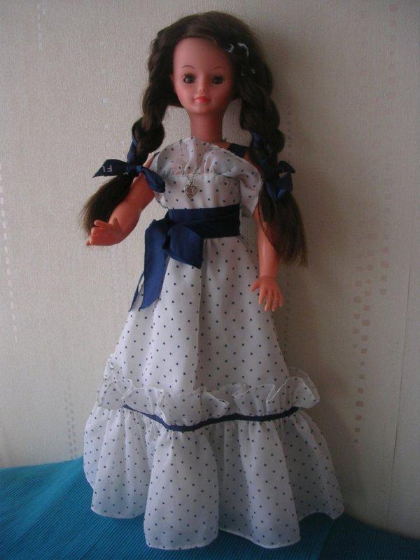 CATHIE en robe Violette de 1979