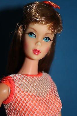 Magnifique Barbie années 70 que j'aimerais bien adopter ... J'attends le prochain salon Parisien ...