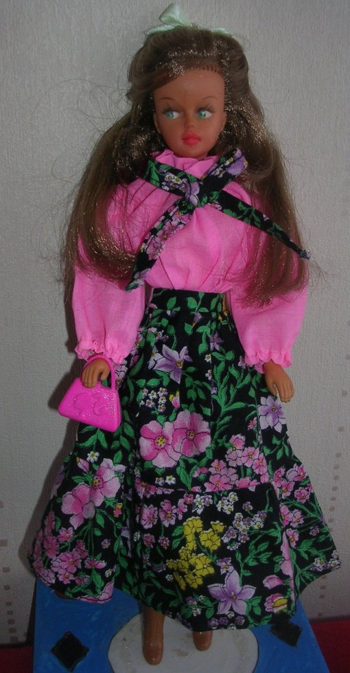 TRESSY AC dans la tenue de Presentation de 1978, elle a l'air rêveuse, que cache t-elle ???