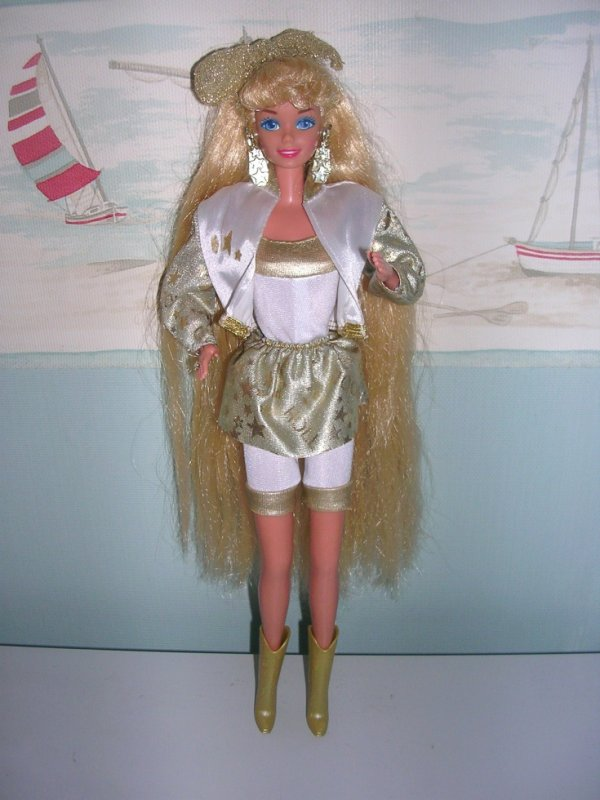 MA NOUVELLE PROTEGEE : BARBIE HOLLYWOOD HAIR 1992 CHEVEUX MAGIQUES