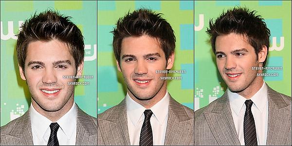 """17 / 05 / 12 : Le beau Steven R.Mcqueen & le cast de TVD ont été present sur le tapis """"CW """"."""