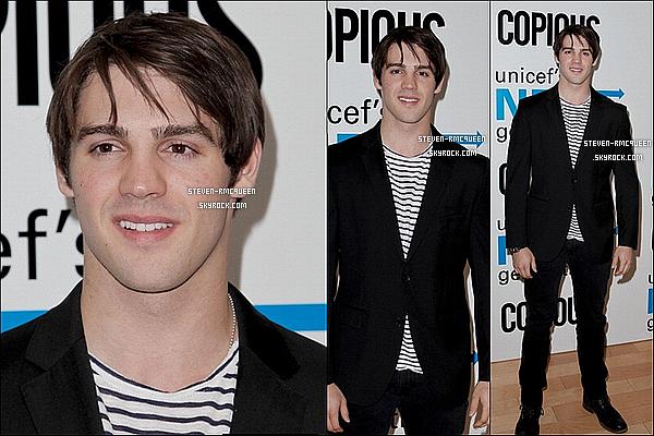 01 / 05 / 14 : Notre beauSteven a été à l'événement de l'ONG, l'UNICEF à Los Angeles.