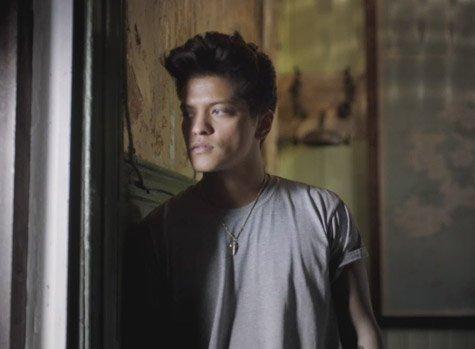 Bruno MARS- It will rain