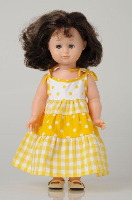 Toujours de la couture....oui mais pour une grande poupée!!!