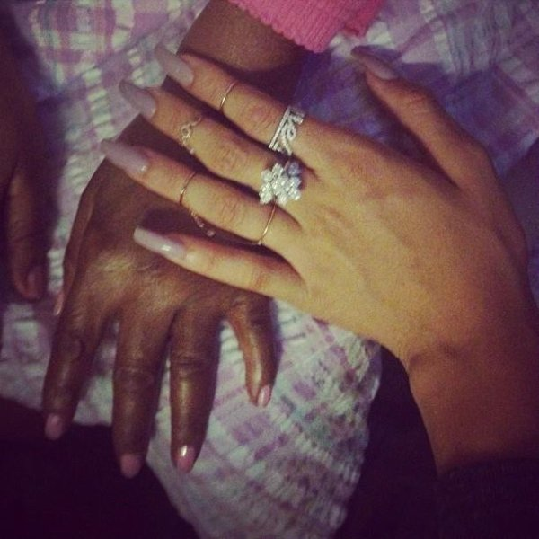 She still has the most beautiful hands #grangranDolly