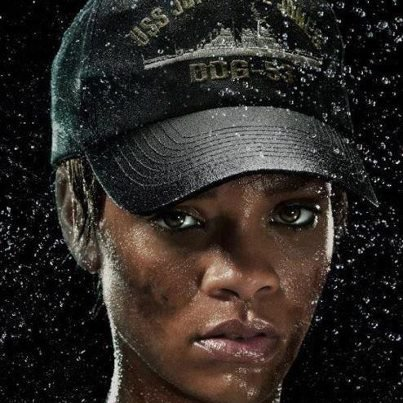 "Rihanna won the ""Breakout Star"" award for ""Battleship"" at the 2012 Teen Choice Awards"". Congrats, Rih! :)"