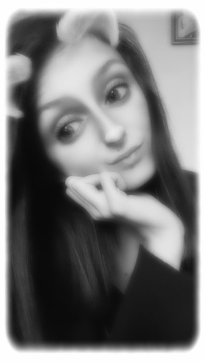 ● Camille ● 21 ans ● Normandie ● Célibataire ●