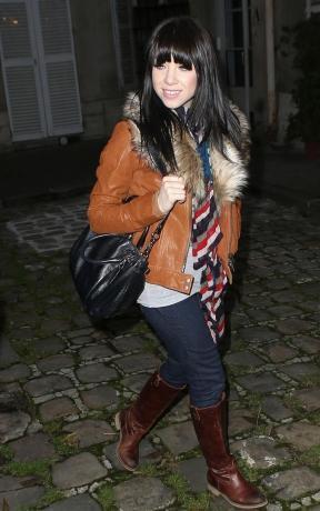 Carly Rae Jepsen dans les rues de Paris