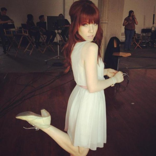 Carly a les cheveux rouge  !