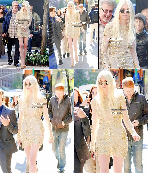 - NOUVELLES PHOTOS + NOUVELLE VIDEO : Le 16 octobre, Taylor était à New York.-