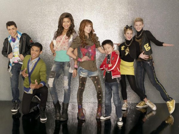 MAUVAISE NOUVELLE: Disney Channel annonce la fin de la série Shake It Up!
