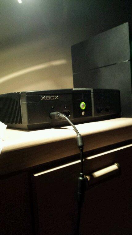 Ma Console Xbox de 2001 et PlayStation 2013