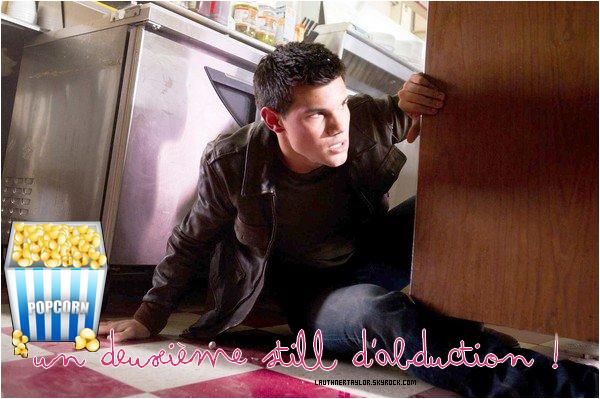 * Découvrez le deuxième still du film « Abduction »avec Taylor en tête d'affiche ( ♥ '` )  *