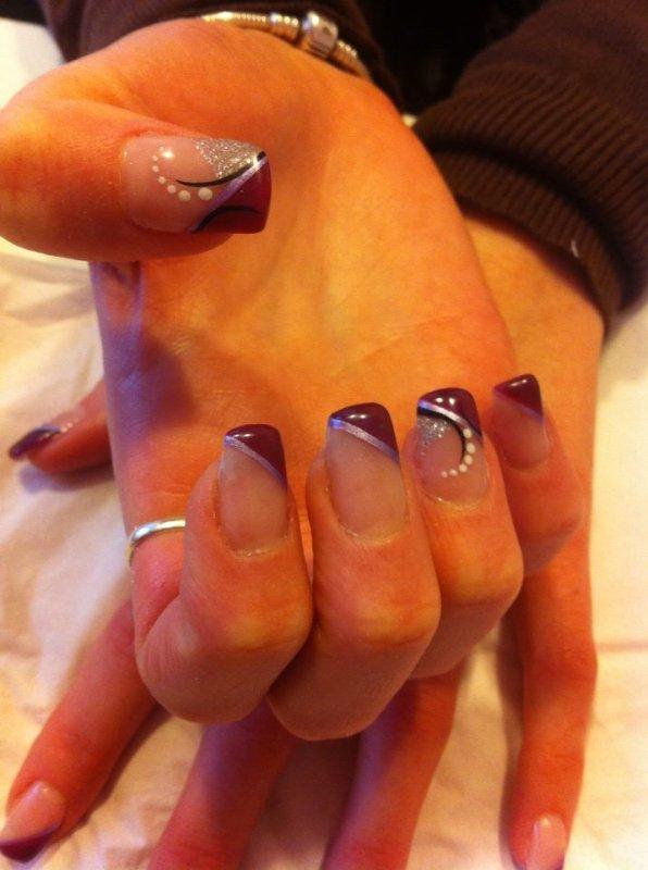 French en biais violet avec liner et déco nail art