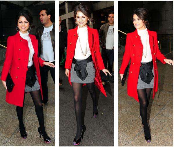 Posté par Mathilda Divers : 2010 . Article 100 % Gomez, la miss qui est devenue une vraie femme d'affaire. Promotion, plus de promotions, sorties au restaurant, aux studios de BBC ... vous serez servis !