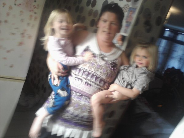 voici ma marraine et mes deux cousine