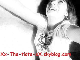 ♥Xx-The-tiote-xX.skyrock.com♥    NAITRE,POUSSER SON PREMIER CRI, PLEURER, RIRE, DIRE SES PREMIERS MOTS, FAIRE SES PREMIERS PATS, ALLER A L'ECOLE, SE FAIRE DES AMI(E)S, S'ENGUEULER AVEC MAIS SE RECONCILIER JUSTE APRES, AIMER QUELQU'UN, LUI DIRE, SORTIR AVEC, AVOIR SES 18 ANS, SE MARRIER AVEC, AVOIR SES ENFANTS, AVOIR UN TRAVAIL, VIVRE SA VIE A FOND,TOMBER MALADE, PUIS MOURRIR C'EST LA VIE MAIS LAURA N'A PAS PUS VIVRE COMME CELA!