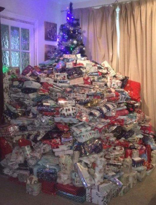 Elle offre plus de 90 cadeaux à ses enfants pour noël