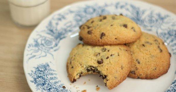 Il distribue des cookies au cannabis pendant la messe