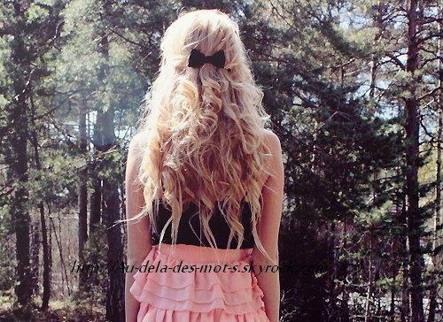 """"""" La vie se passe à désirer ce qu'on n'a pas, à regretter ce qu'on n'a plus. """""""