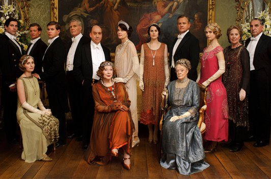La production dément la rumeur qui annonce la fin de la série Downton Abbey