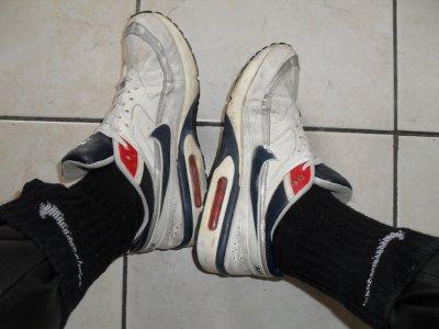 Air Max BW blanches avec virgule bleue fute en cuir et cho7 Nike noires