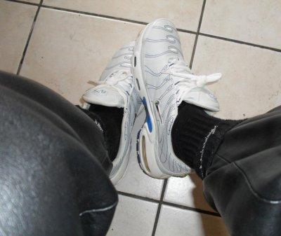 Air Max TN blanches fute en cuir et cho7 Nike noires