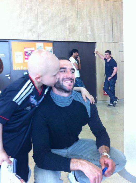 #44. Lisandro rend une nouvelle fois visite aux jeunes atteints du cancer.