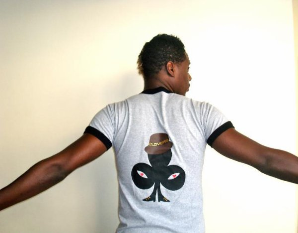 JESSY MATADOR en t-shirt CLOVERS
