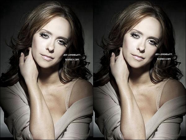 #Découvrer deux nouvelles photos promo de Jennifer pour le photoshoot de la série The Client List. #
