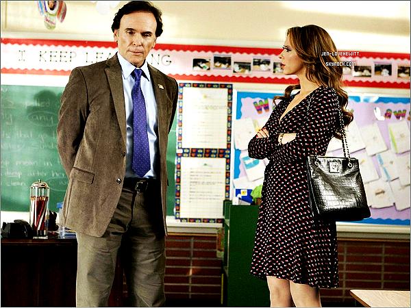 #Découvrer dès-maintenant plusieurs stills du 3ème épisode saison 1 de la série The Client List.#