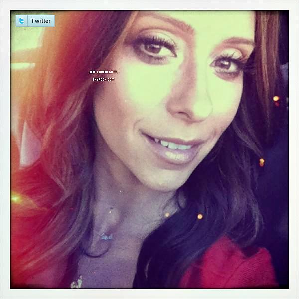 #. TWITTER .- Découvre les dernières photos de Jennifer Love Hewitt poster sur son compte twitter ! #