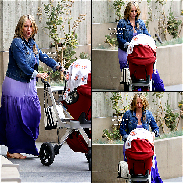 .15/04/14 : Jennifer a été vue promenant sa petite fille dans les rues de Santa Monica..