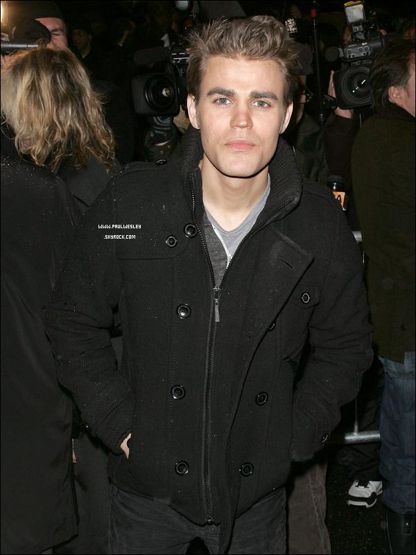 """* 06/03/2011 : Paul & Torrey à la soirée d'ouverture du """"That Championship Season"""" à BroadwayToujours aussi mignons ces deux-là ! Côté tenue ce sera un TOP pour Paul, tenue simple, mais élégante.*"""