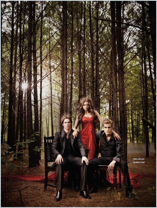 Une nouvelle photo de la saison 2 de « The Vampire Diaries » est apparue sur la toile .