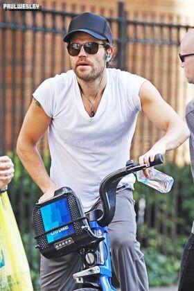 -- 13/07/16 : Pauldans les rues de New York. --