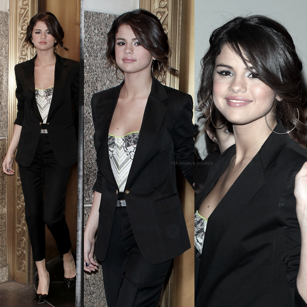 17.03.11: Selena quitte les Studios MTV à New-York.