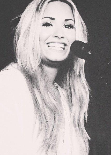 Fiche artiste - Demi Lovato.
