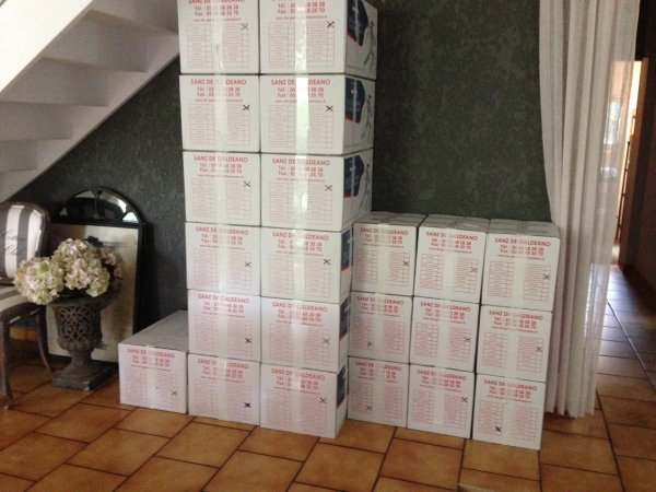 Les cartons s'empilent...