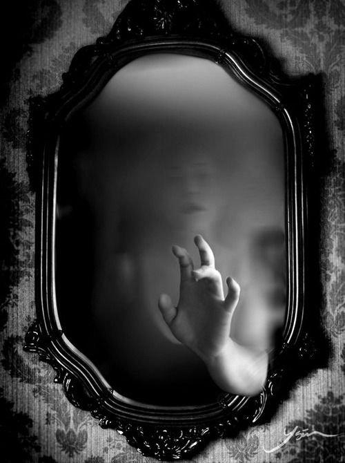 °°°° Une Femme devant son miroir *****