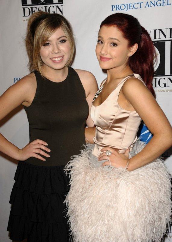 Le 7/12 Ariana était au- Project Angel Food's Divine Design Gala à Los Angeles. On la voit aussi avec Janette Mccurdy, Elizabeth Gillies...