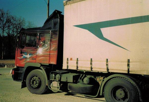 Souvenirs ... camions décorés (suite)