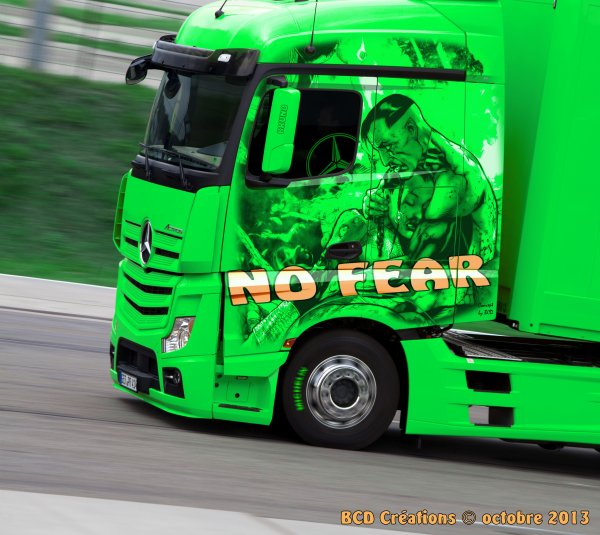 "Mercedes Actros ""No Fear"""